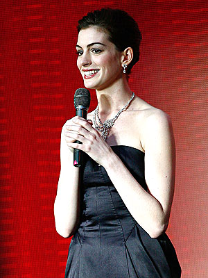 anne hathaway lancome magnifique fragrance - Anne Hathaway