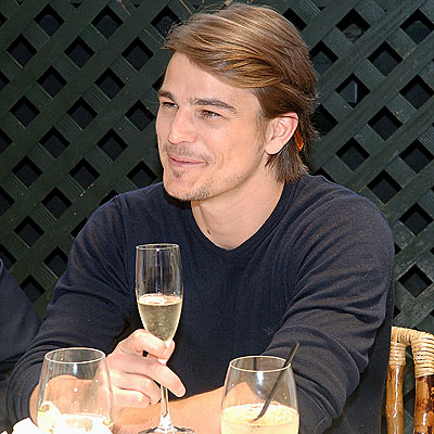 2fdfe899974b Josh Hartnett for Emporio Armani Diamonds for Men - Nadine Jolie ...