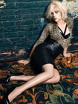 http://jolienadine.com/blog/wp-content/uploads/2009/07/scarlett-johansson-mango.jpg