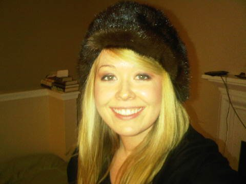 Nadine-Jolie-fur-hat