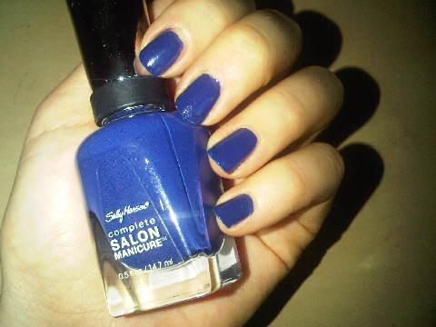Sally-Hansen-Thinking-of-Blue-nail-polish