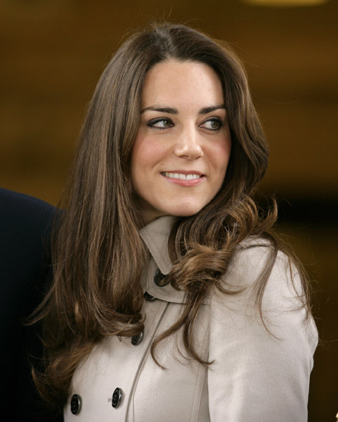 Kate Middleton visits the ballet with Prince Charles and ...