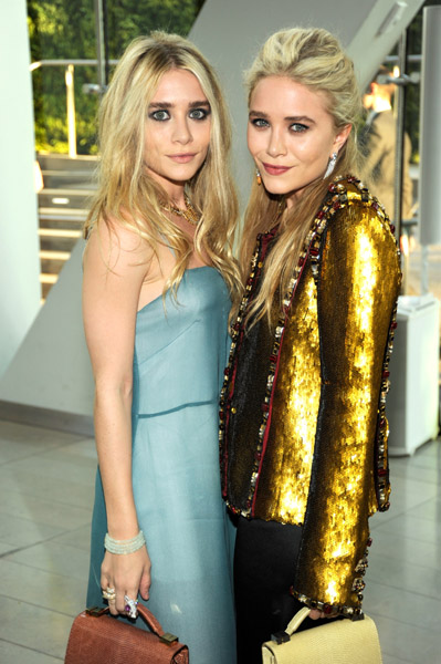 Ashley Olsen and Mary-Kate Olsen at the CFDA Fashion Awards (WireImage/Mazur)