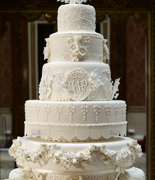 William and Kate wedding cake on display