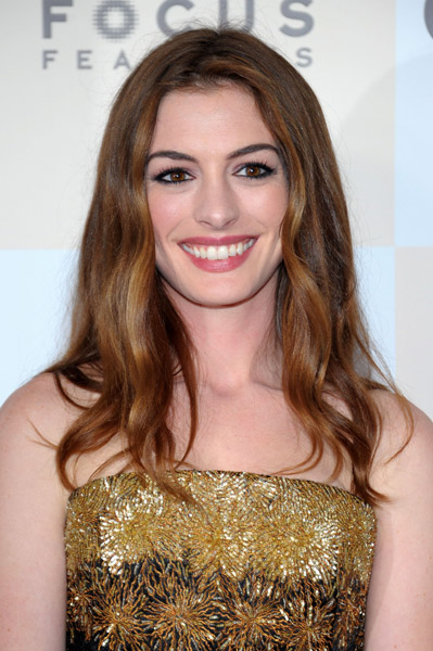 Anne Hathaway at the premiere of One Day wearing Chanel makeup (WireImage/Loccisano)