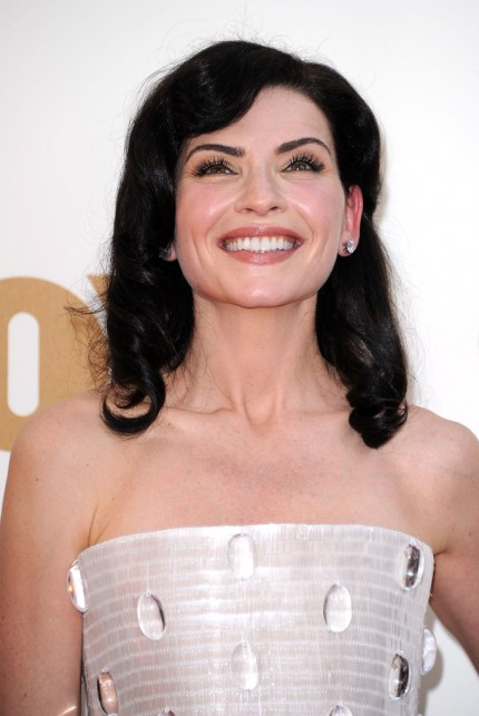 Julianna Margulies in Armani Prive, with L'Oreal Paris makeup