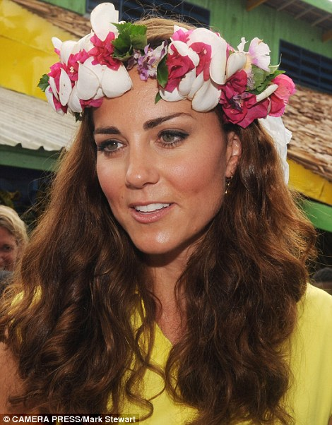 Duchess Kate in the Solomon Islands - Nadine Jolie Courtney d7a1dfc86