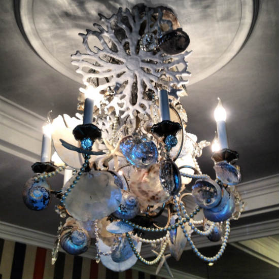 Cape-Grace-chandelier