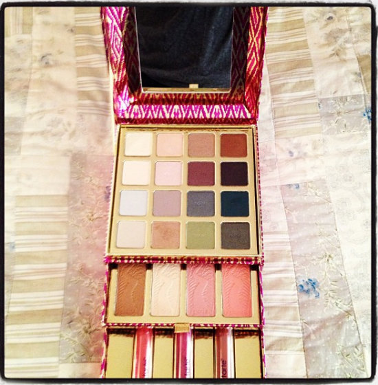 Tarte-Cosmetics-The-Big-Thrill-holiday-makeup-case