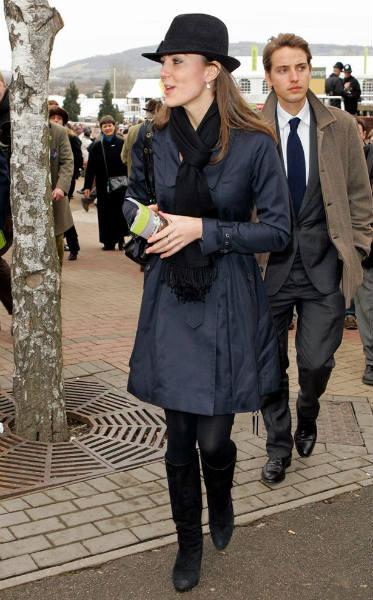 Kate in Ted Baker blue trench coat in 2008 at Cheltenham