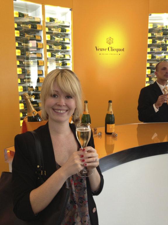 Nadine-Jolie-Veuve-Clicquot-tasting