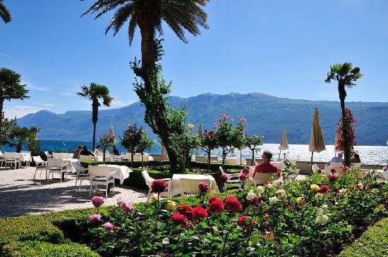 Villa-Giulia-Lake-Garda-Como-Italy