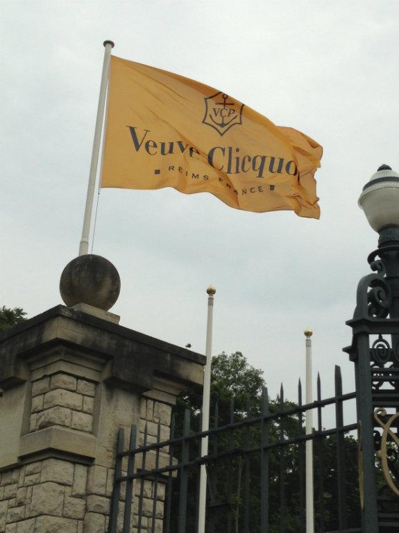 champagne-tasting-Veuve-Clicquot