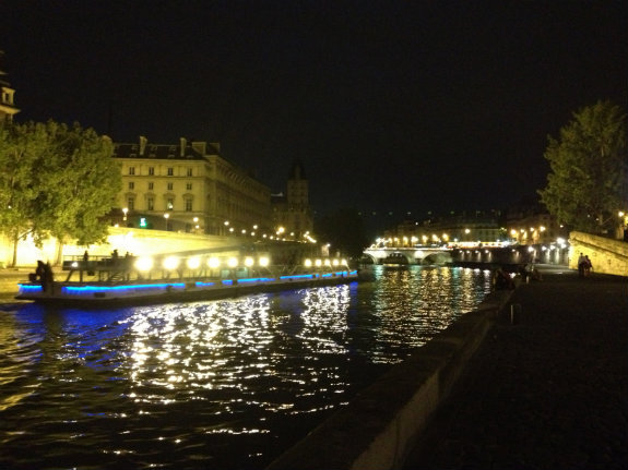 Paris-Seine-bateaux-mouches