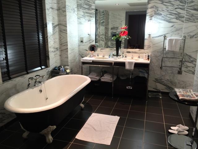 Bloomsbury-Hotel-London-bathroom