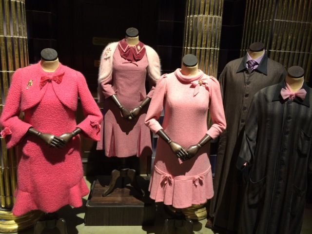 Harry-Potter-London-studio-tour-Dolores-Umbridge-clothes