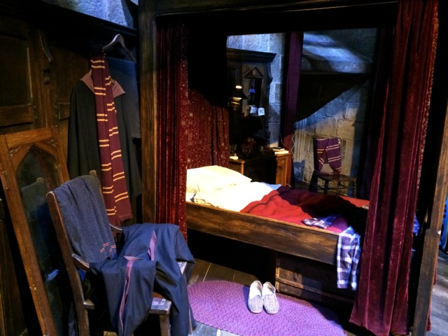 Harry-Potter-London-studio-tour-Gryffindor-common-room