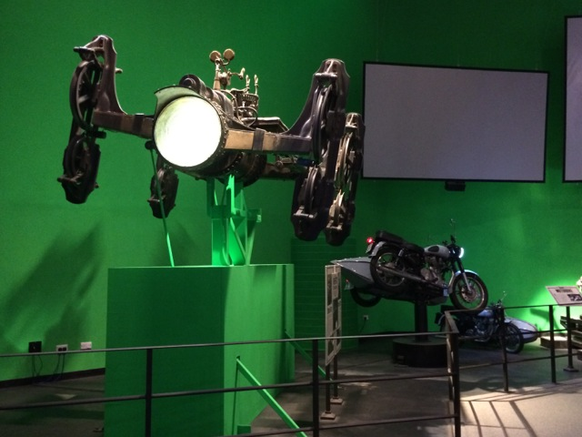 Harry-Potter-London-studio-tour-flying-car