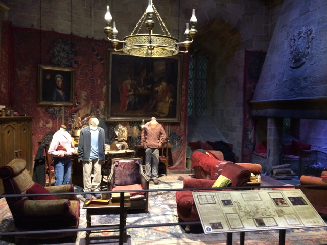 Harry-Potter-tour-London-Gryffindor-common-room2
