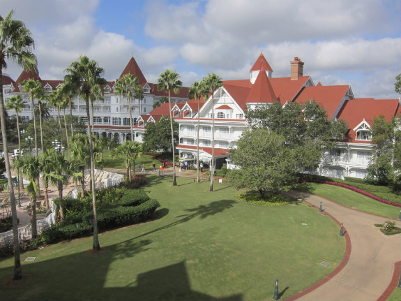 The-Villas-at-Grand-Floridian-exterior