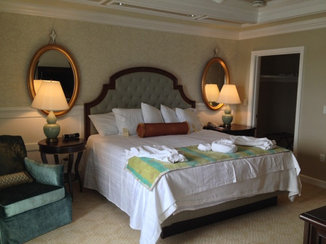 Villas-at-Grand-Floridian-Disney-Vacation-Club-bedroom