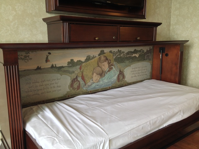 Villas-at-Grand-Floridian-Disney-Vacation-Club-pullout-bed