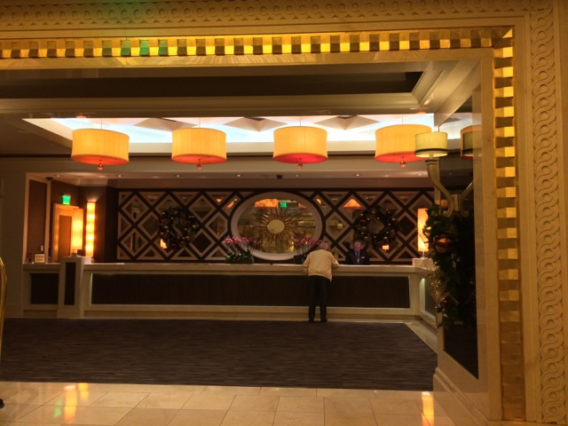 Caesars-Vegas-Laurel-Collection-VIP-entrance-check-in