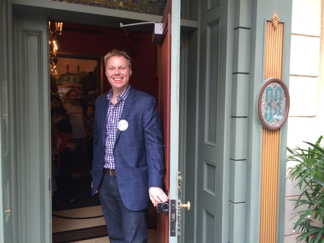 Club 33 Disneyland entrance