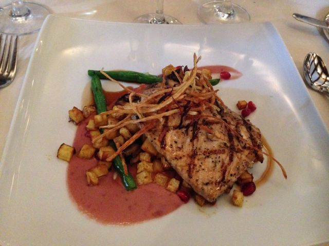 Club-33-Disneyland-salmon