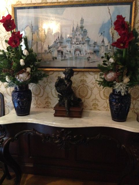 Disneyland-Club-33-Mary-Poppins-table