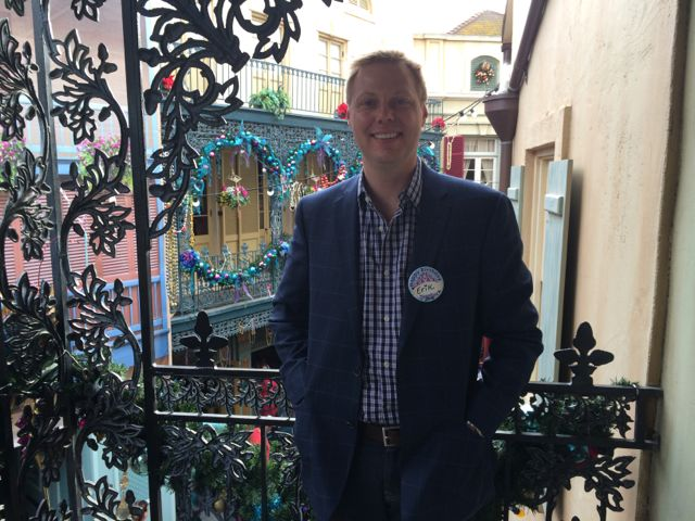 Disneyland-Club-33-balcony-New-Orleans-Square