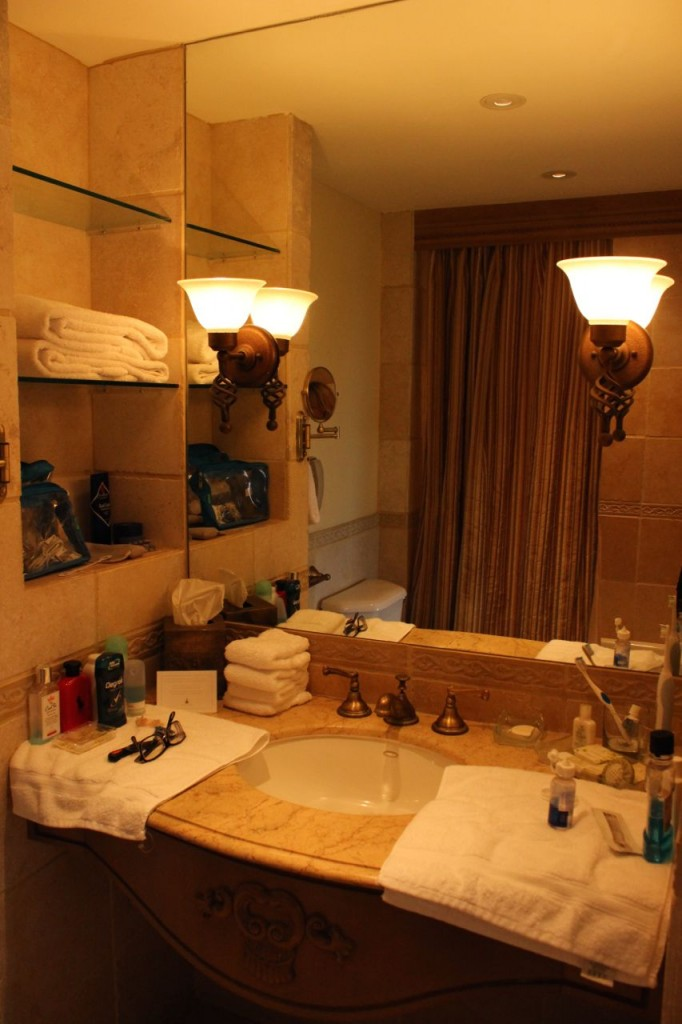 Biltmore Hotel Miami bathroom