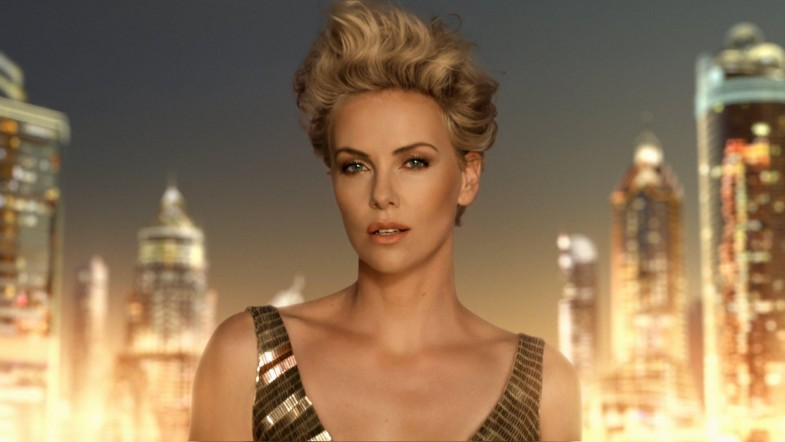 dior j 39 adore the future is gold commercial starring charlize theron nadine jolie courtney. Black Bedroom Furniture Sets. Home Design Ideas